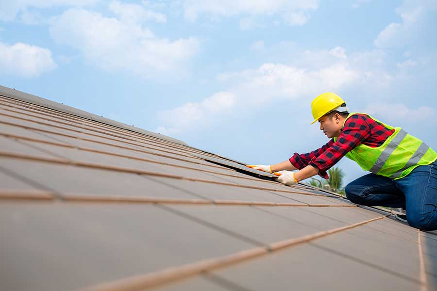 checking roof for ceiling leakages